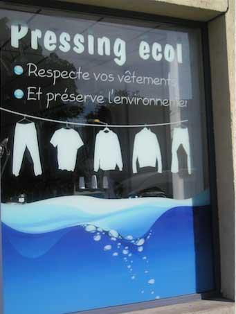 Une boutique de pressing retouche à Auxerre. Association des commerçants du centre ville d' Auxerre